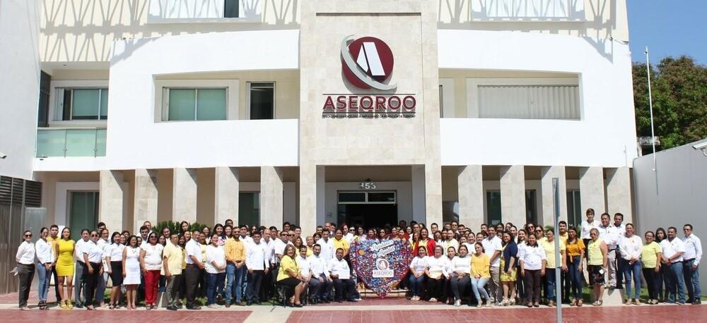 """Donación del corazón de tapitas a la Asociación """"Alianza anti-cáncer infantil"""" por parte la Auditoría Superior del Estado de Quintana Roo"""